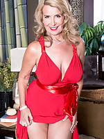 40 Something - The busty super-MILF returns - Laura Layne (83 Photos)