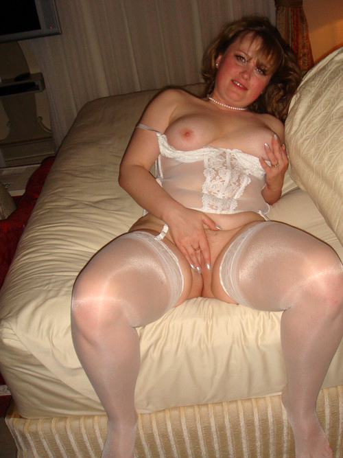 Mature Amateurs in Stockings - Granny Glamour